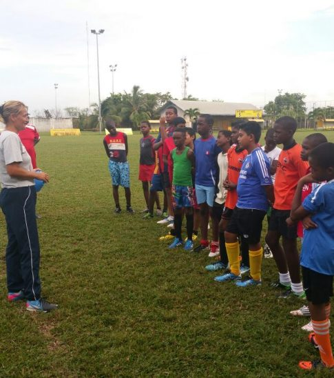 Kaatje Coaching Voetbal SV Voorwaarts PAramaribo 2